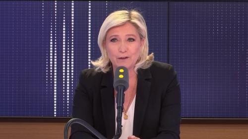 """VIDEO. Steve Bannon n'a """"aucun rôle"""" dans la campagne du RN, assure Marine Le Pen"""
