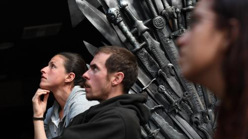 "Etats-Unis : l'ultime épisode de la série ""Game of Thrones"" bat le record d'audience de la chaîne HBO"