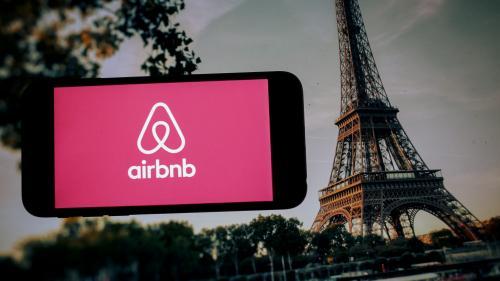 Annonces abusives d'Airbnb : l'audience est renvoyée en octobre à la demande de l'avocat de la mairie de Paris
