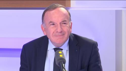 """Pour Pierre Gattaz, """"il faut que les gens aillent voter dimanche"""""""
