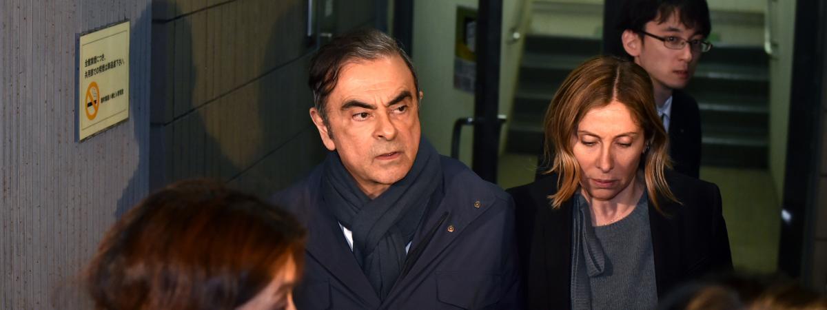 """Affaire Carlos Ghosn : un de ses avocats dénonce l'interdiction """"inhumaine"""" de voir sa femme"""