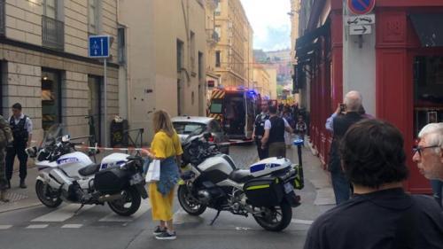 DIRECT. Explosion à Lyon : le parquet antiterroriste se saisit de l'enquête, un suspect en fuite