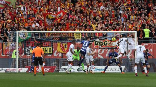 Barrages de Ligue 2 : Lens s'impose à Troyes et peut rêver de Ligue 1