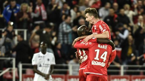 Foot : Caen est rétrogradé en Ligue 2 tandis que Dijon jouera sa survie en Ligue 1 lors d'un barrage contre Lens