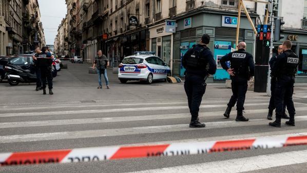 Explosion à Lyon : l'enquête se poursuit