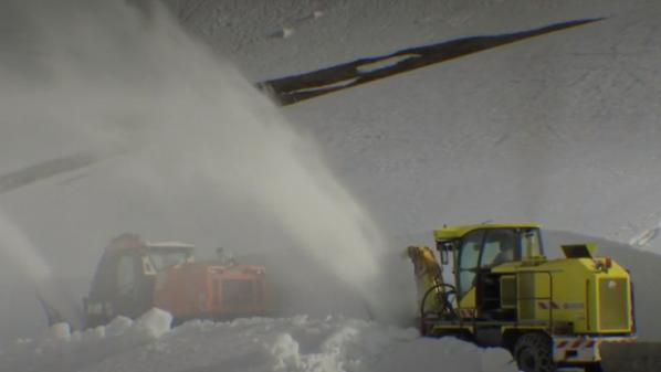 Montagne : opération déneigement dans les Alpes