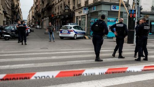 Explosion d'un colis piégé à Lyon : que sait-on des quatre personnes en garde à vue ?