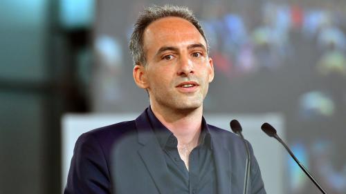 """Raphaël Glucksmann (PS-Place publique) veut une Europe capable de ne pas """"dépendre des États-Unis"""""""