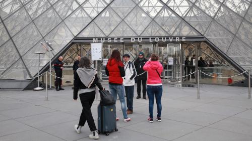 Le musée du Louvre fermé en raison d'un mouvement des agents d'accueil