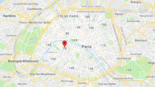 Paris : le chauffeur de bus touristique qui avait volontairement écrasé un automobiliste a été mis en examen