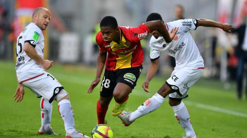Foot : Lens et Dijon se neutralisent (1-1) en barrage aller de Ligue 1