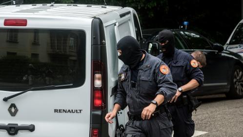 Colis piégé à Lyon : le suspect, passé aux aveux, a été mis en examen et écroué