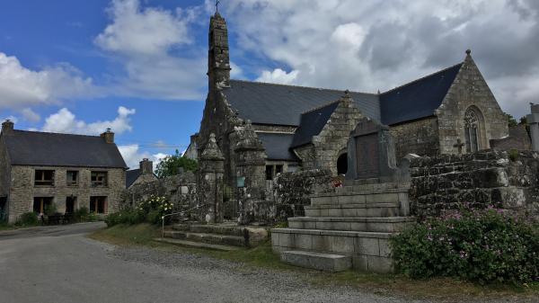 """""""On ne vit pas comme des 'bobos"""" : bienvenue à Trémargat, le village breton où l'on a toujours été écologiste"""