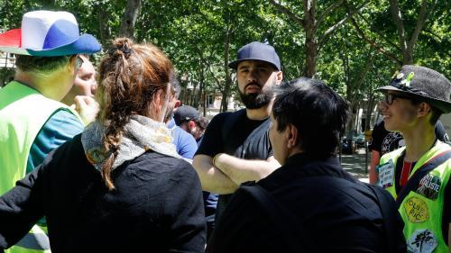 """VIDEO. """"Gilets jaunes"""" : dénonçant une """"dérive totale"""" du mouvement, Eric Drouet plaide pour le retour des """"blocages"""""""