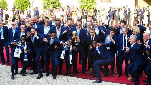 """""""C'est vraiment une grande fierté"""" : les Bleus champions du monde vont recevoir leur Légion d'honneur  https://www.francetvinfo.fr/politique/emmanuel-macron/c-est-vraiment-une-grande-fierte-les-bleus-champions-du-monde-vont-recevoir-leur-legion-d-honneur_"""
