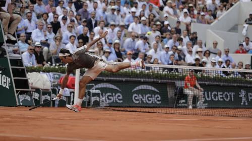 DIRECT. Roland-Garros/Quarts de finale : le match entre Federer et Wawrinka interrompu par la pluie