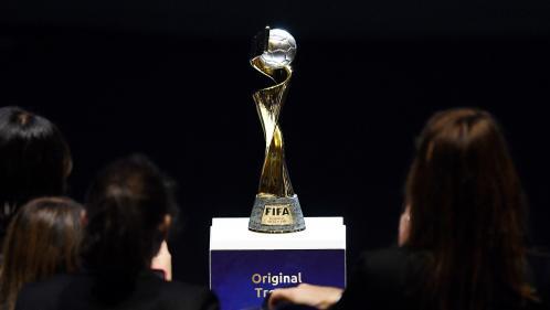 VIDEO. Coupe du monde 2019: nombre de licenciées, revenus, affluence... Six chiffres sur le foot féminin
