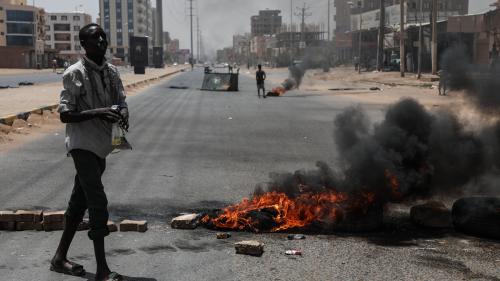 Soudan : l'armée annule ses accords avec les contestataires et appelle à des élections