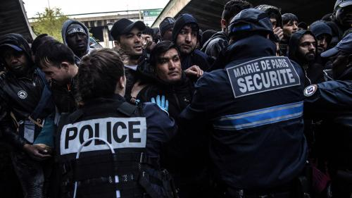 Les expulsions forcées d'étrangers illégaux ont coûté 468 millions d'euros à l'Etat en 2018, selon un rapport