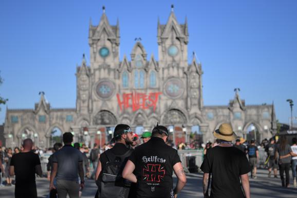 Et Def 2019À Hellfest Part KissSlayer LeppardQuoi De Neuf redQxBoCW