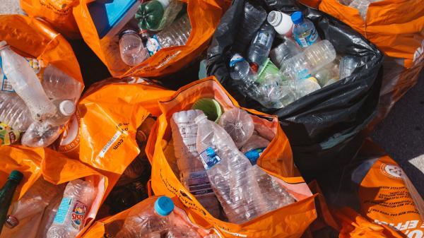 Eurozapping : manifestation réprimée en Russie, 5 grammes de plastique ingérés par semaine
