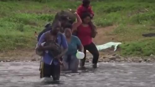 Migrants : une odyssée de tous les dangers dans la jungle du Panama