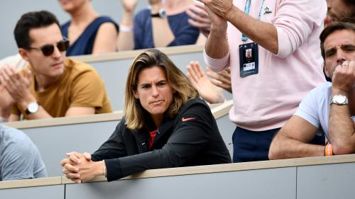 """Roland-Garros : Amelie Mauresmo qualifie de """"honte"""" la reprogrammation des demi-finales dames"""