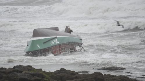 """DIRECT. Tempête Miguel : la vedette de la SNSM est sortie """"pour se porter au secours d'un bateau de pêche qui avait déclenché sa balise"""""""
