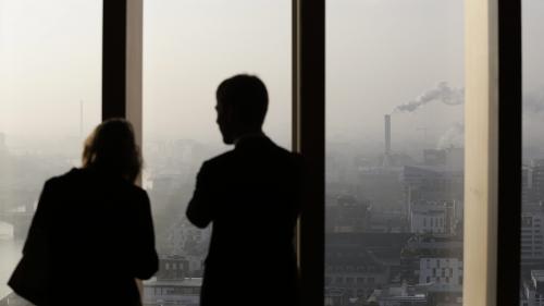 Harcèlement sexuel : quand les entreprises achètent le silence des femmes