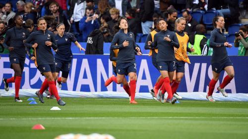 Mondial de football : les Bleues soutenues par les supporters français