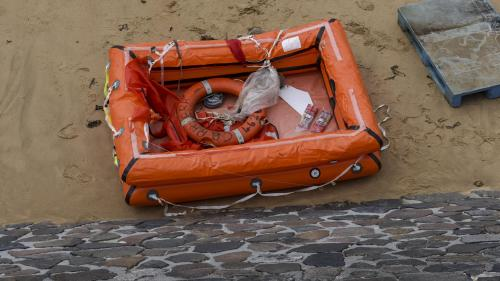 """VIDEO. """"On lui avait dit de ne pas y aller"""", raconte un proche du pêcheur disparu au large des Sables-d'Olonne"""