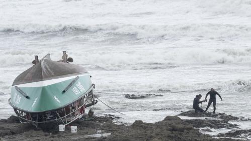 """""""C'est les meilleurs de nous-mêmes qui étaient en mer"""" : tristesse et incompréhension après le naufrage de la vedette de la SNCM"""