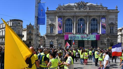 """""""Gilets jaunes"""" : faible mobilisation pour le 30e samedi avec 10 300 manifestants dans toute la France"""