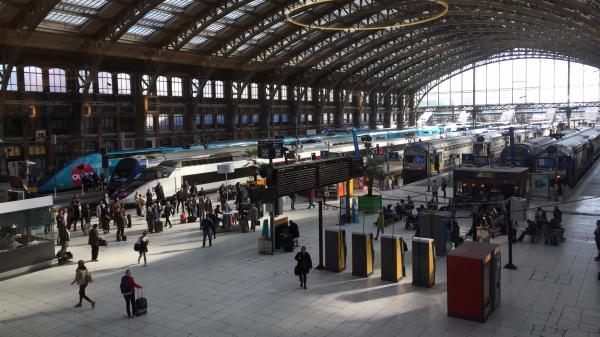 Mouvement de panique en gare de Lille-Flandres provoqué par une fête de départ à la retraite