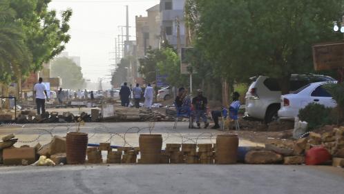 """Soudan : les leaders de la contestation appellent à la """"désobéissance civile"""" pour écarter l'armée au pouvoir"""
