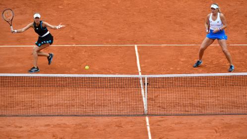Roland-Garros : Kristina Mladenovic titrée en double dames avec Timea Babos en battant Duan Yingying et Zheng Saisai (6-2, 6-3)