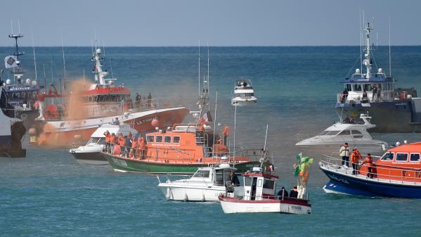 Vendée : hommage et émotion après le décès des sauveteurs de la SNSM