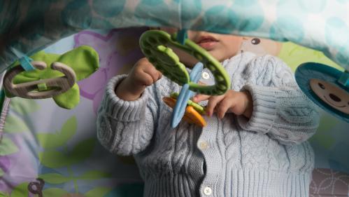 Garde d'enfants : ce qu'il faut savoir des nouveautés de l'Urssaf pour simplifier les démarches des particuliers employeurs