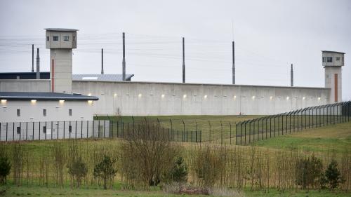 Fin de la prise d'otages à la prison de Condé-sur-Sarthe, les deux surveillants libérés