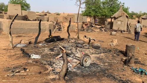 Attaques contre des civils, jihadisme, impuissance de l'Etat… Que se passe-t-il dans le centre du Mali?