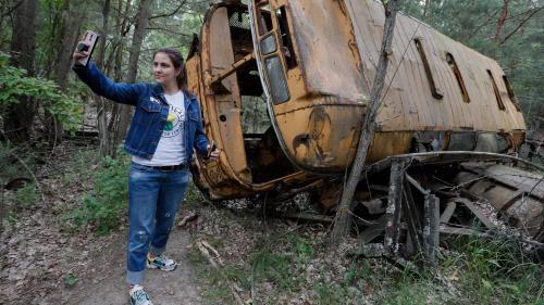 """L'auteur de la série """"Chernobyl"""" exhorte les touristes à éviter les photos obscènes sur le site de la catastrophe"""