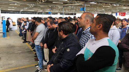 VIDEOS. Enfants fauchés à Lorient : une cérémonie de recueillement organisée par la communauté turque rassemble 300 personnes