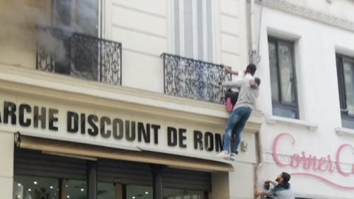 Marseille : des passants sauvent une famille des flammes
