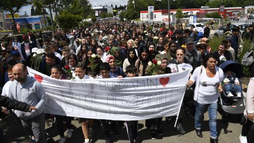 Lorient : un millier de personnes participent à la marche blanche en hommage aux deux enfants renversés par un chauffard