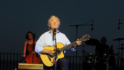 Pierre Perret enchante le public du 22e festival Eclats de Voix à Auch