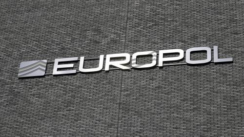 Les jeunes femmes sont la nouvelle cible de la propagande du groupe Etat islamique, selon Europol