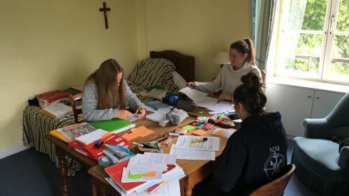 Bac 2019: se retirer dans une abbaye, solution radicale pour réviser au calme