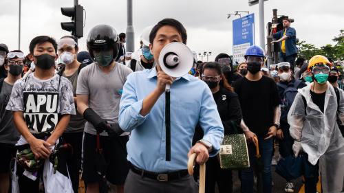 Manifestations à Hong Kong: le gouvernement suspend le projet de loi controversé sur l'extradition vers la Chine