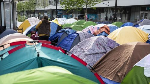 """Manifestation de soutien aux réfugiés: """"15% des gens qui sont sur les campements à Paris ont un droit de séjour"""""""