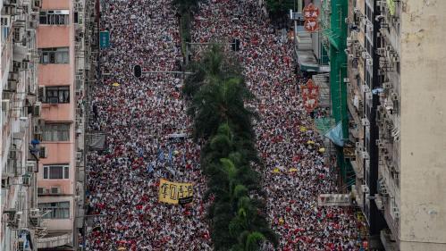 VIDEO. Hong Kong : le 16 juin, deux millions de personnes manifestaient déjà contre les autorités